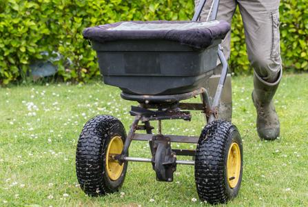 Lawn Fertiliser Services